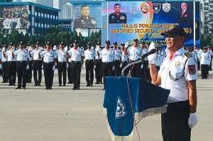 Security guards at the closing ceremony of the Certified Security Guards at the Royal Malaysian Police College. - Filepic